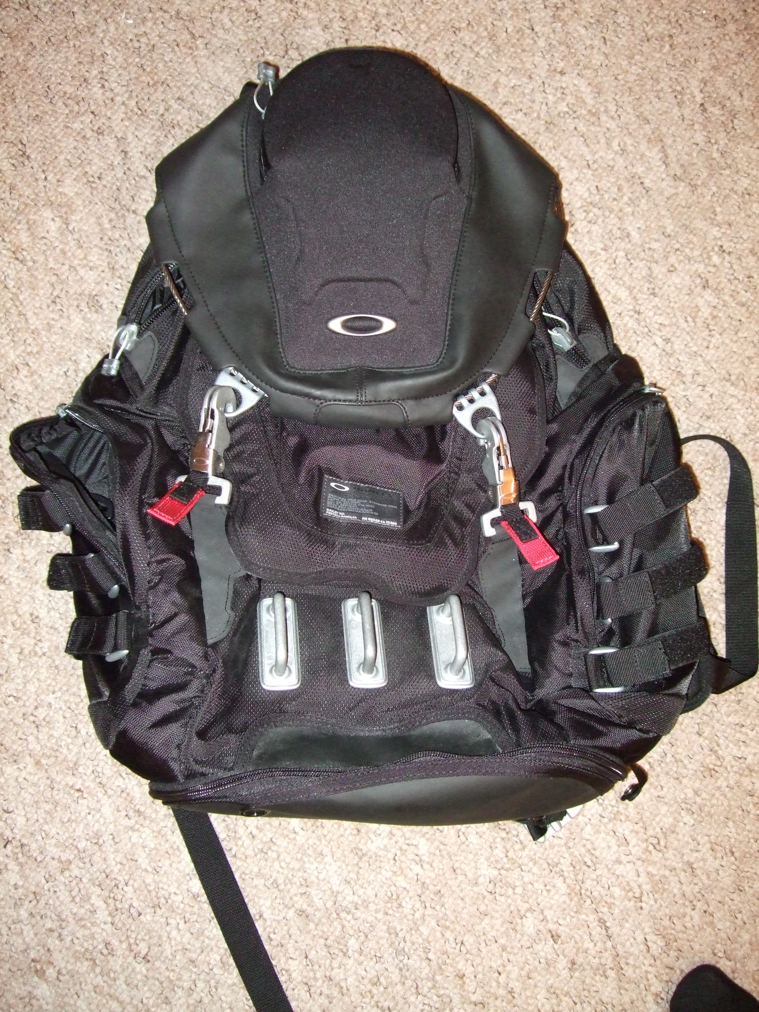 welcome to my review of the oakley kitchen sink backpack. beautiful ideas. Home Design Ideas